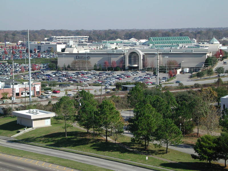 Mall of Louisiana is located in Baton Rouge, Louisiana and offers stores - Scroll down for Mall of Louisiana shopping information: store list (directory), locations, mall hours, contact and address.3/5(4).